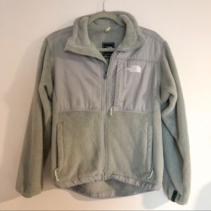 The North Face Fuzzy Gray Zip Up sz Small